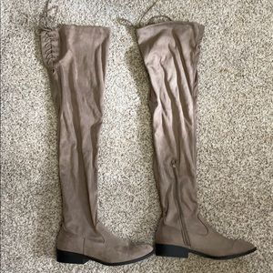 Over the knee adjustable boots